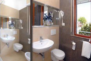 Bagno camera Hotel President 3 stelle San Benedetto del Tronto